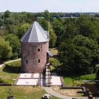 Huys-Dever-Donjon-Lisse-Drone-2
